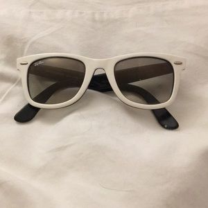 Ray-Ban Accessories - Ray-Ban Wayfarer sunglasses